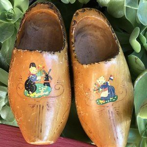 Vintage DUTCH Wooden Shoes Hand PAINTED CARVED Art